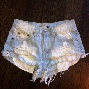 Pants - Lightwashed jean shorts